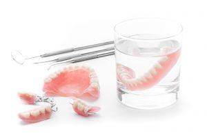 顎の動きを考慮した入れ歯